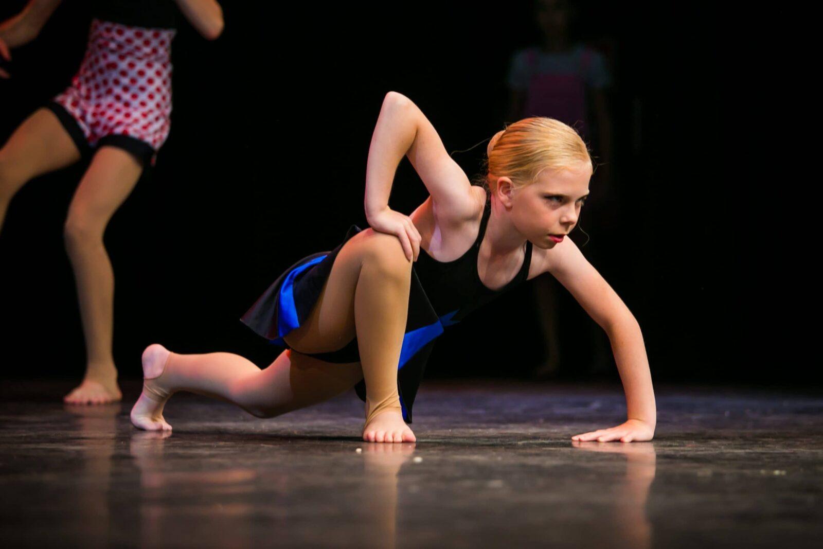 Contemporary dancers in Woking Surrey