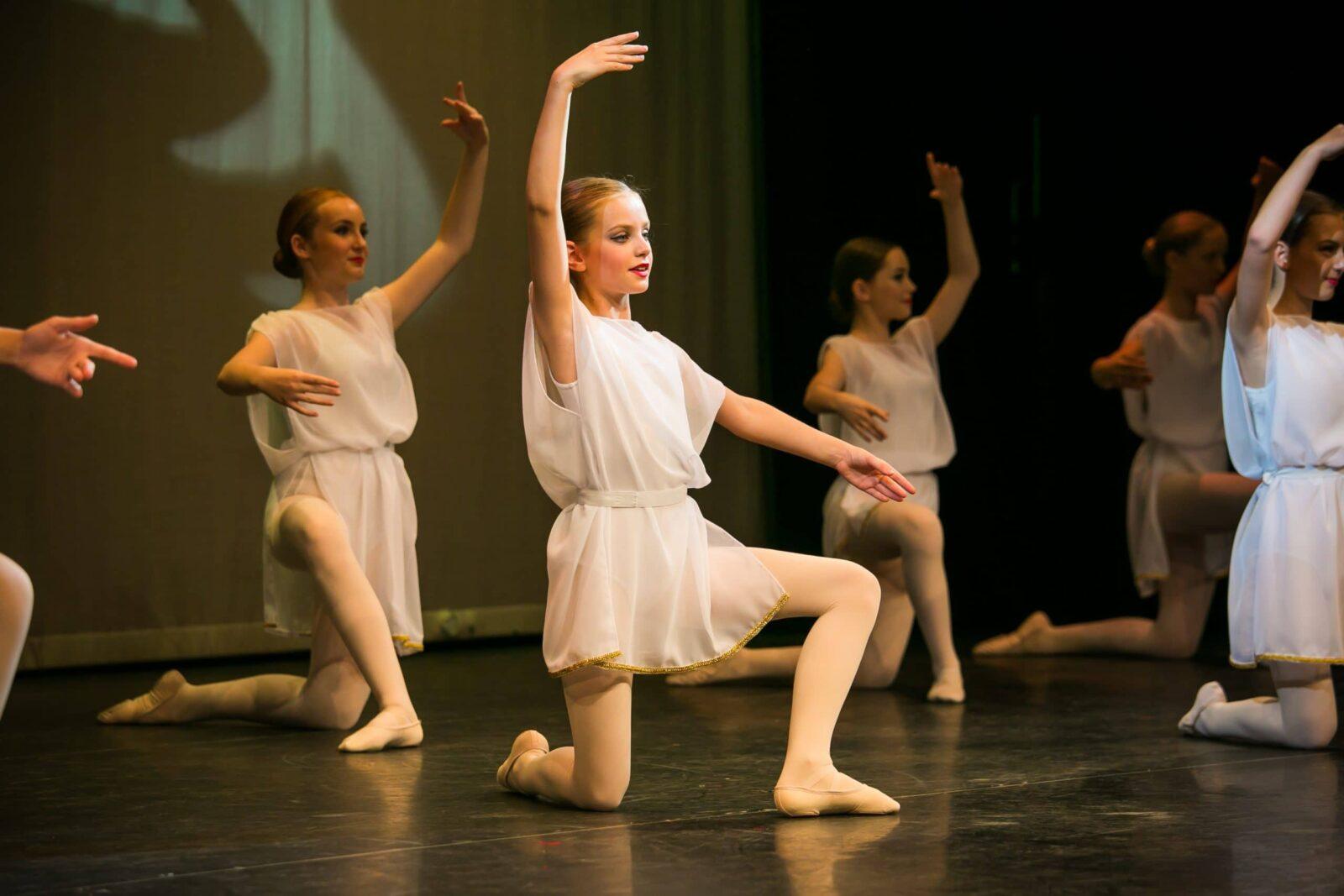 Modern dancers in Woking Surrey