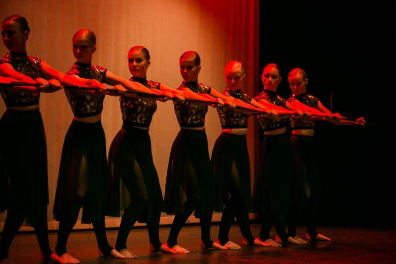 12 year old Modern dancers in Woking Surrey